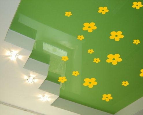 фисташковый натяжной потолок