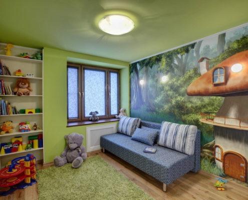 зеленый натяжной потолок в детскую