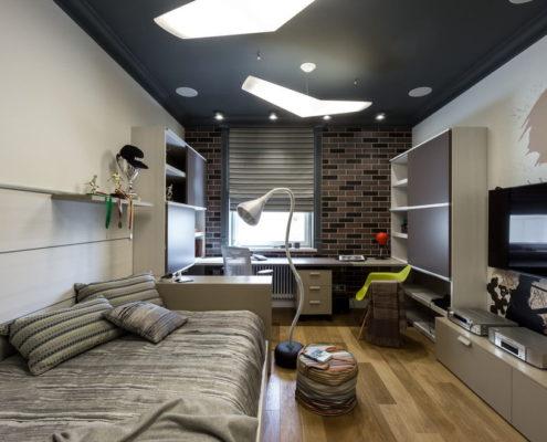 черный натяжной потолок с освещением