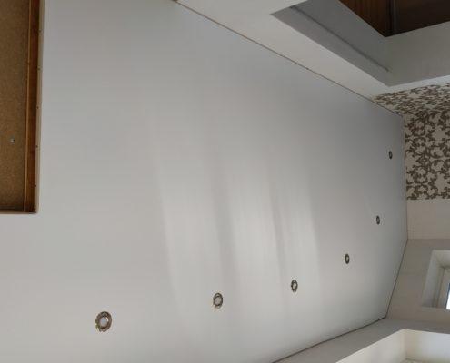 Натяжной потолок на балконе монтаж