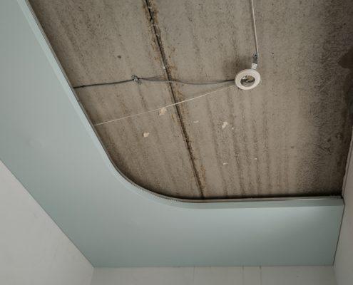 Натяжной потолок на кухне как правильно
