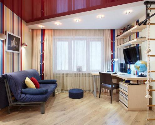 красный натяжной потолок в детской комнате